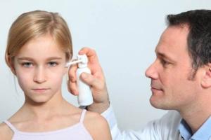 Ohrenspray verwenden
